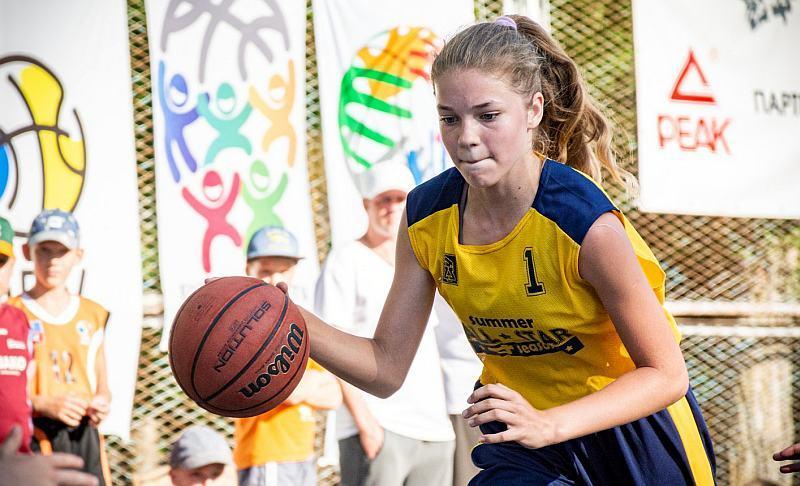 Миттєвості дня на Фестивалі мінібаскетболу: фотогалерея