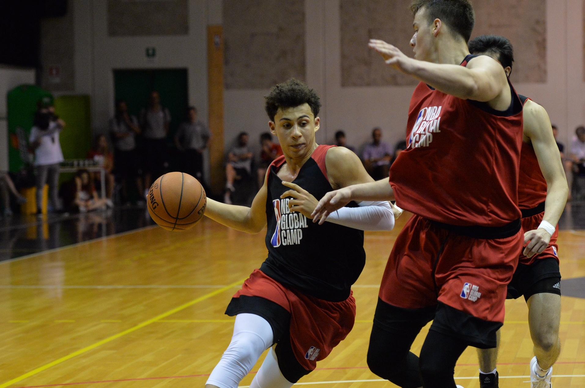 Українець Санон тренується з командою НБА