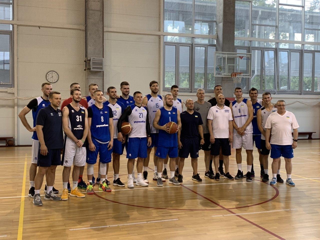 Збірна України провела перше тренування з Айнарсом Багатскісом