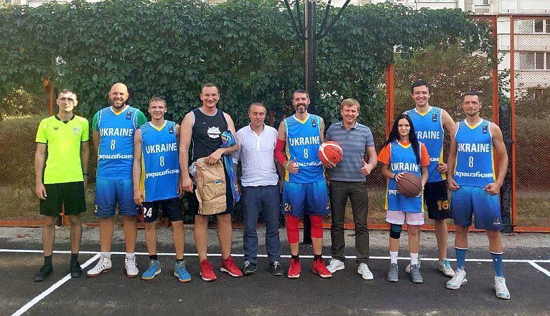 Кияни отримали ще один оновлений майданчик для баскетболу
