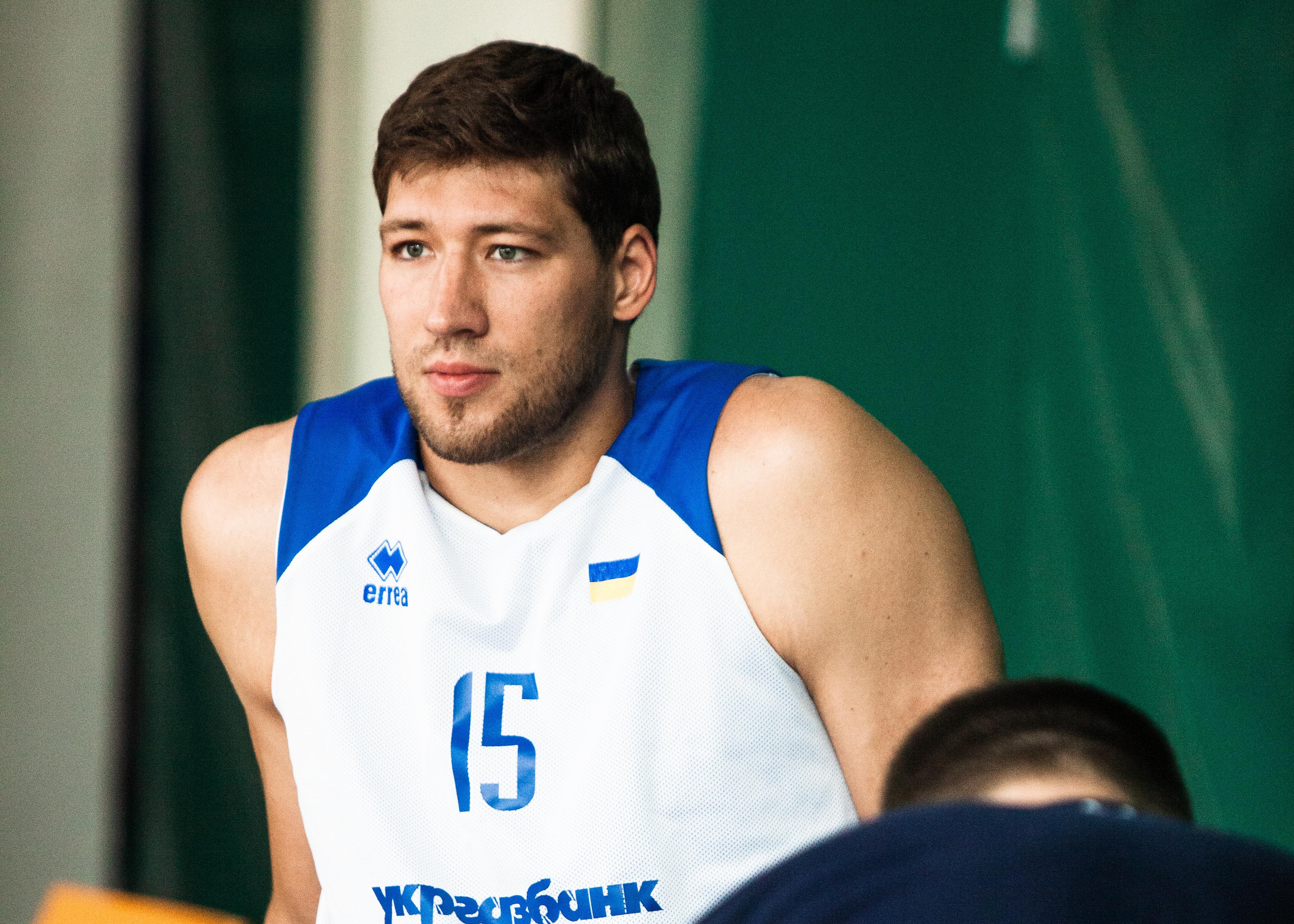 В'ячеслав Кравцов: молоді гравці приїхали завойовувати місце у складі
