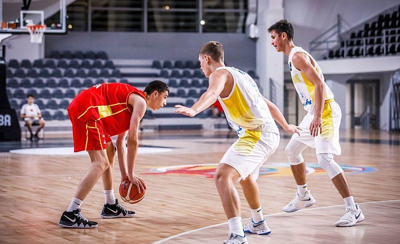 Кадетська збірна України програла господарям на старті чемпіонату Європи