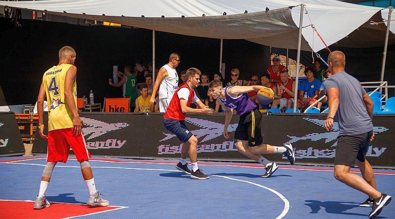 У Маріуполі відбулися змагання з баскетболу 3х3: фотогалерея