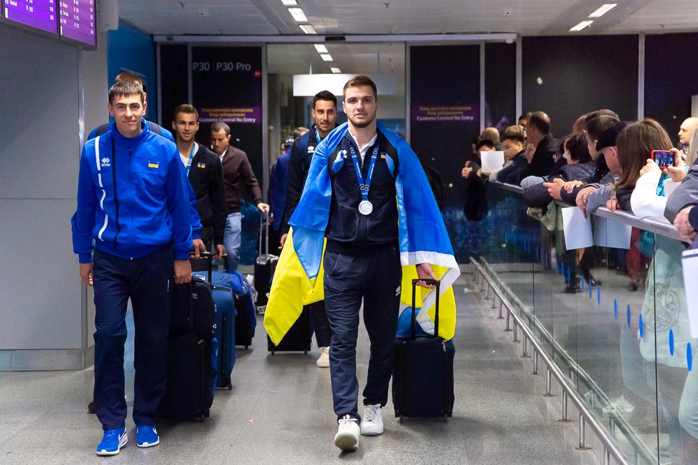 Збірні України повернулись до України після виступу на чемпіонаті світу 3х3, хлопці привезли срібло