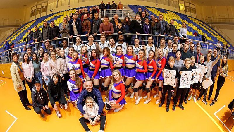 Харківські Соколи зустрілися з уболівальниками: фотогалерея