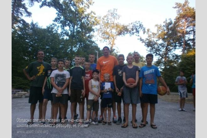 Команди Рівненської ОСДЮСШОР провели літні збори