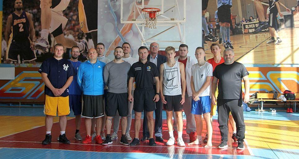 У Чернігові відбувся семінар для суддів, тренерів та баскетболістів