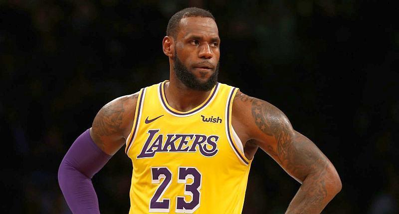 Лісові пожежі змусили зірку НБА терміново залишити помешкання
