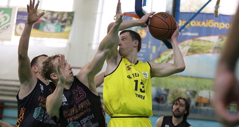 Вища ліга: Тернопіль-ТНЕУ зазнав першої поразки у сезоні, переможна серія дублерів Хіміка триває