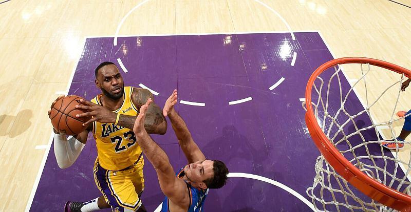 Зірковий Леброн Джеймс встановив унікальне досягнення в НБА: відео рекорду