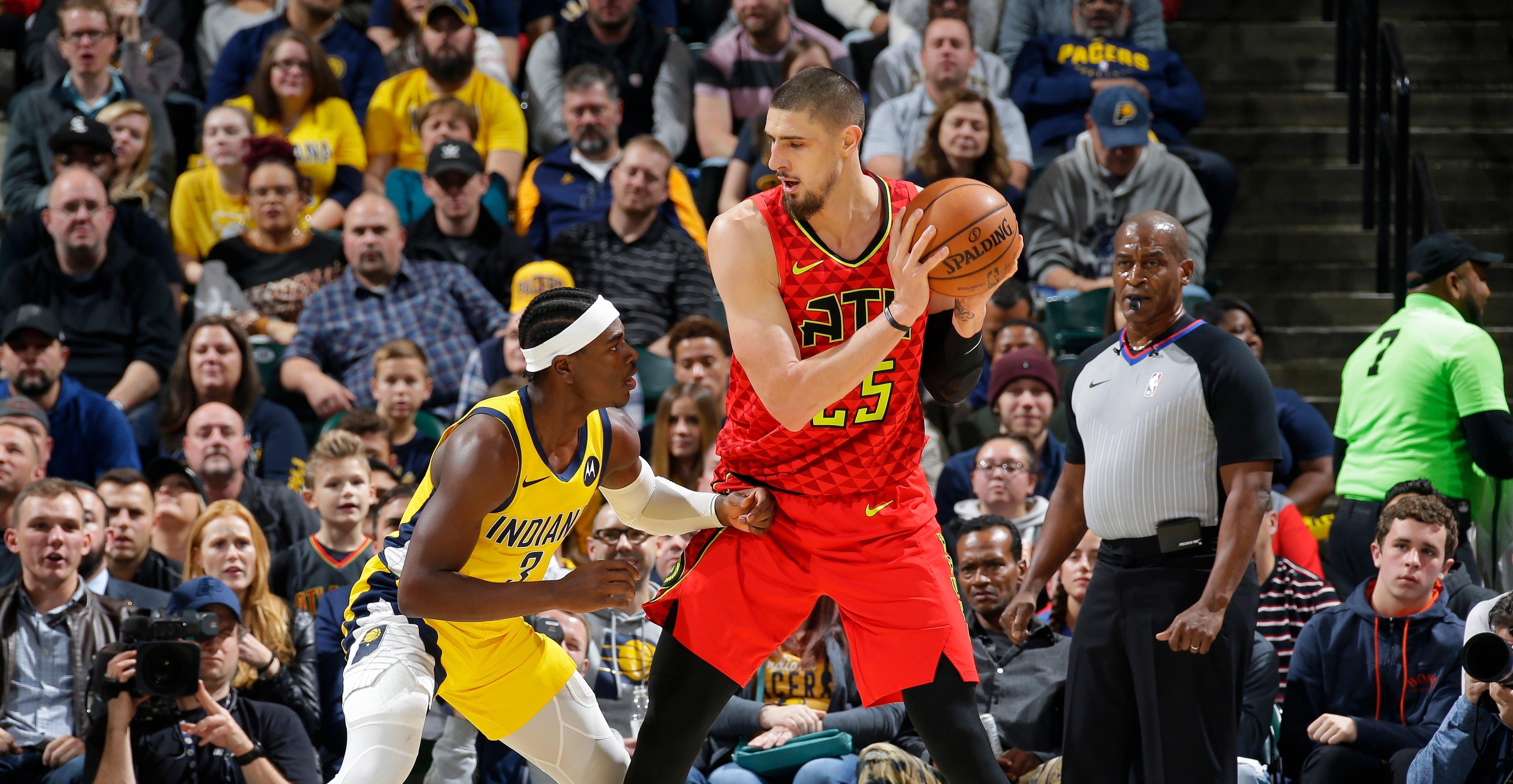 Українці в НБА: Лень провів результативний матч, Михайлюк відіграв 15 хвилин