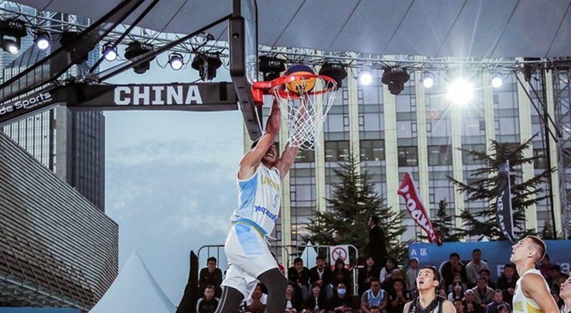Данк Ткаченка ввійшов у топ-3 моментів баскетболу 3х3 за рік: відео