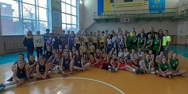Команди дівчат дебютували в Шкільній баскетбольній лізі Львівщини