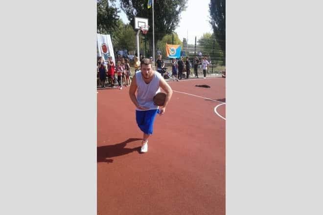 У Броварах відкрито новий баскетбольний майданчик