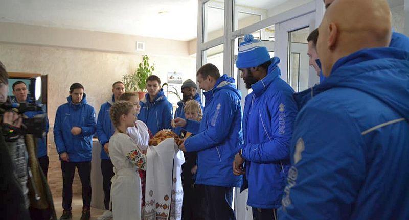 Професіонали з БК Одеса завітали до юних баскетболістів