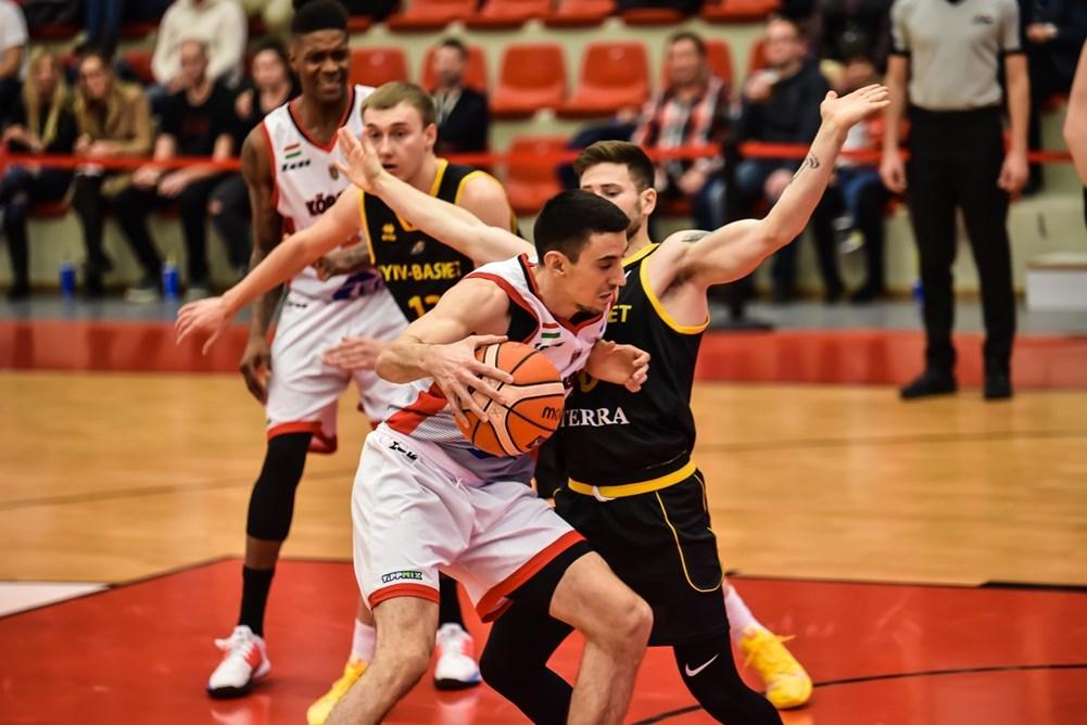 Київ-Баскет зазнав розгромної поразки в Угорщині
