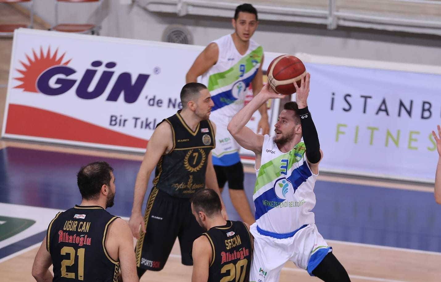 Олександр Мішула провів результативний матч в Туреччині