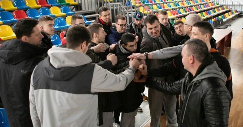 Гравці та тренери Тернополя попрощалися з уболівальниками до нового сезону