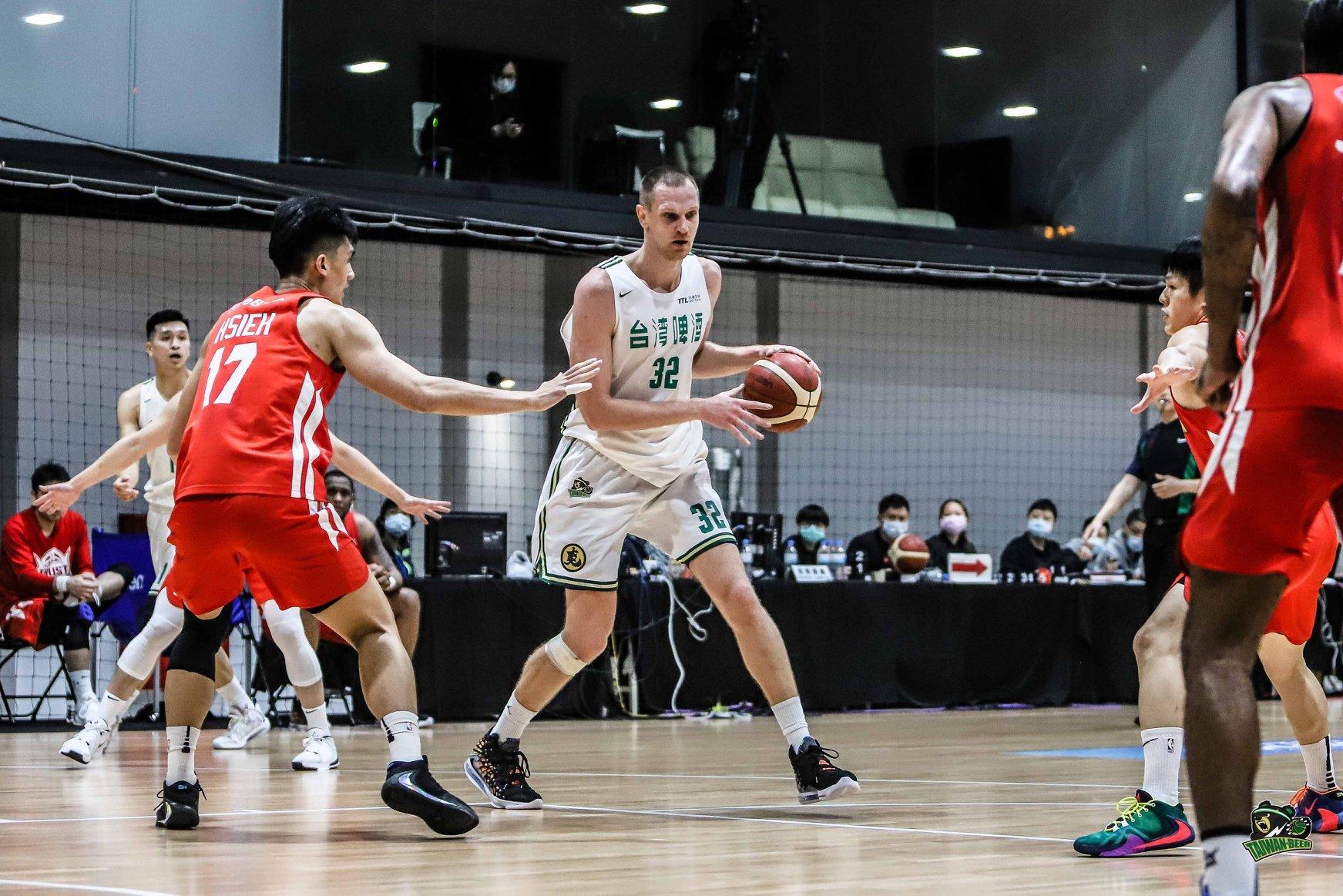 Ігор Зайцев допоміг своєму клубу достроково виграти регулярний чемпіонат