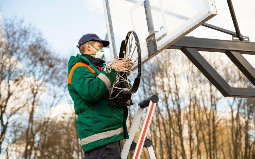 У баскетбольній столиці Литви демонтують всі кільця