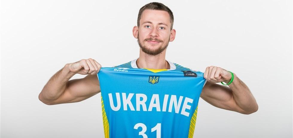 Захисник збірної України відповість на запитання вболівальників