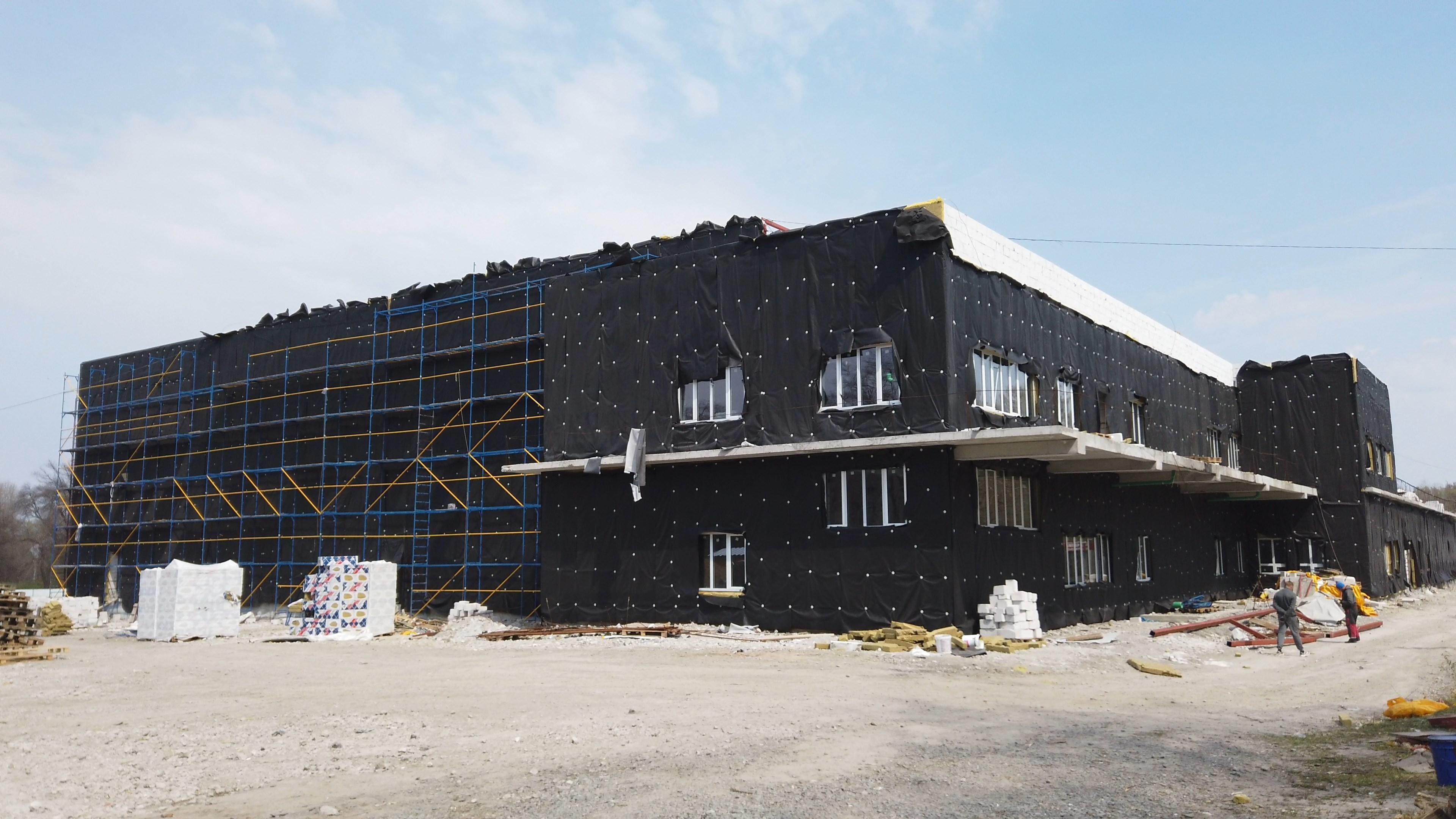 Будівництво Палацу спорту у Кам'янському на своєму екваторі. Фото з об'єкта
