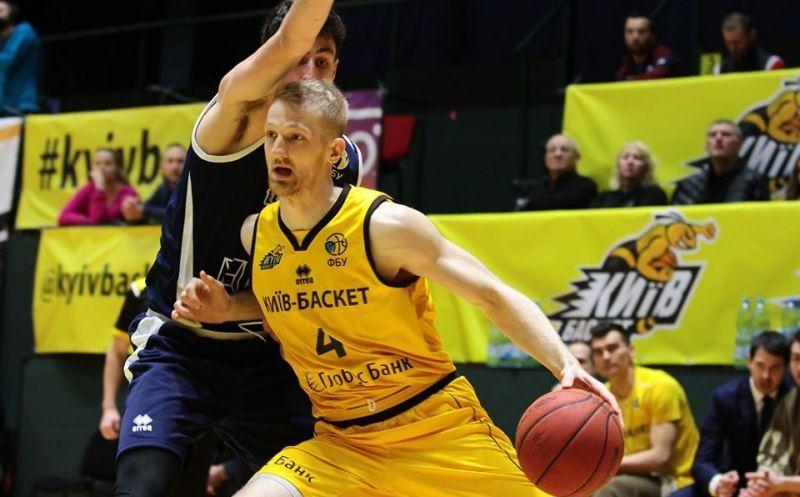 Київ-Баскет продовжив угоду з гравцем збірної України