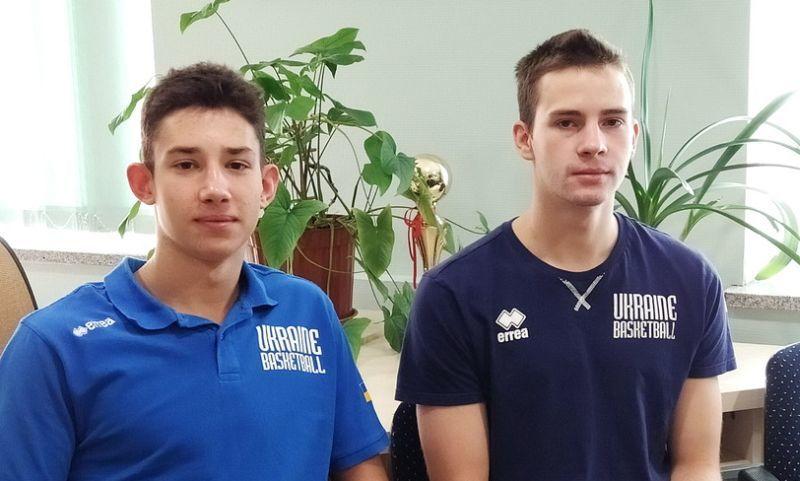 Олександр Ковляр та Руслан Івашов: незвично жити в готелі зі збірною України в рідному місті