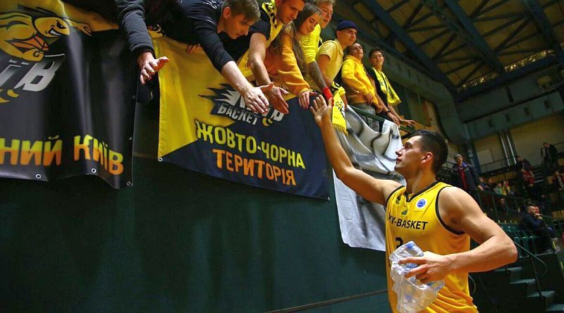 Київ-Баскет продовжив угоду з українським центровим