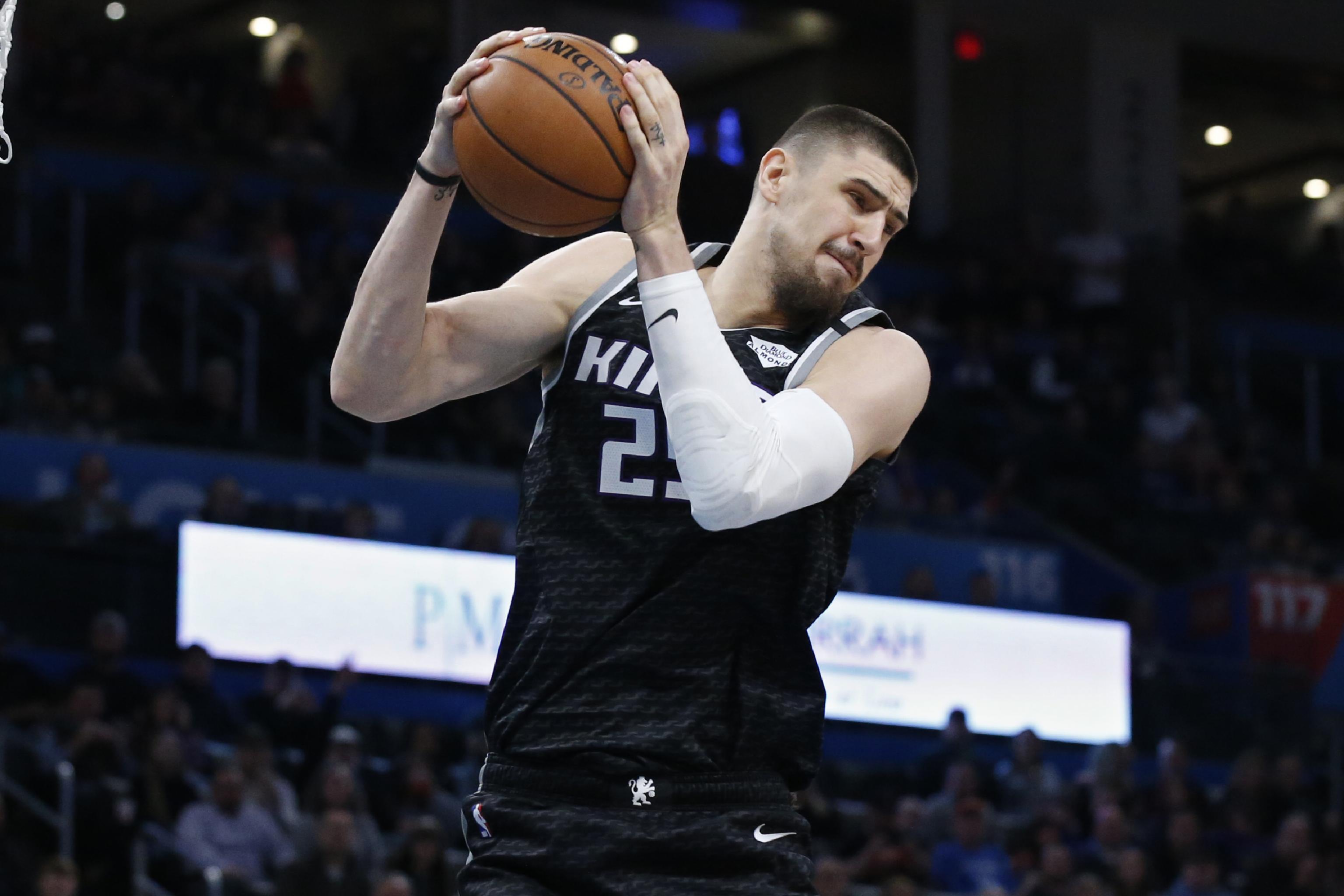 Олексій Лень допоміг Сакраменто виграти перший матч після рестарта сезону НБА