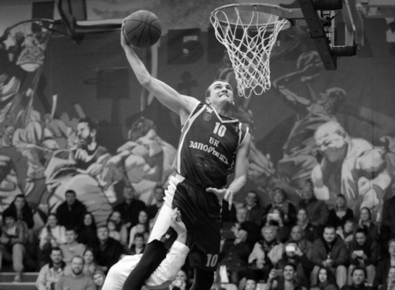 Пішов з життя відомий український данкер та баскетболіст Сергій Мясоєдов