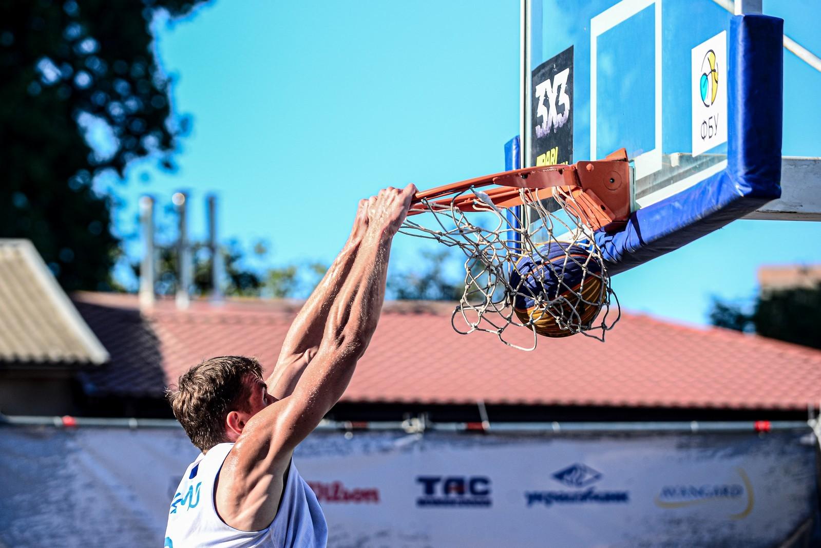 Постер-данк Давидюка, переможний базер Носкова — у топ-10 моментів фіналу Суперліги 3х3 Одесі