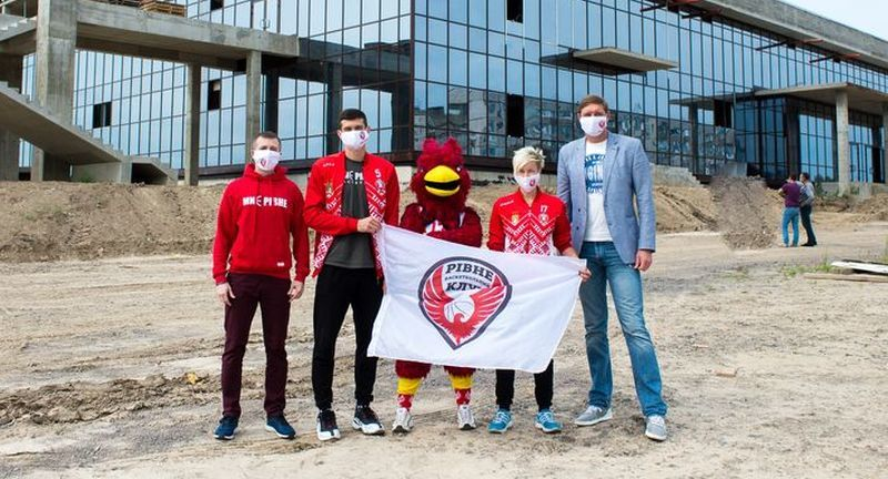Баскетболісти Рівного відвідали будівництво Палацу спорту: фотогалерея