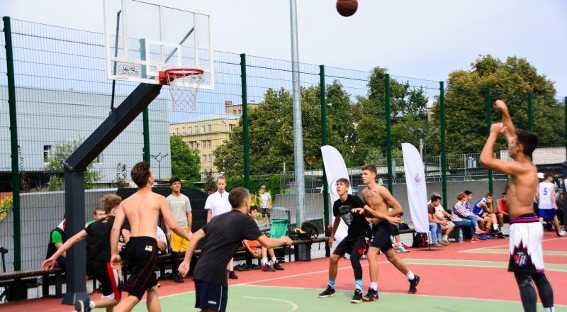 Великий фестиваль вуличного баскетболу в Харкові: фотогалерея змагань