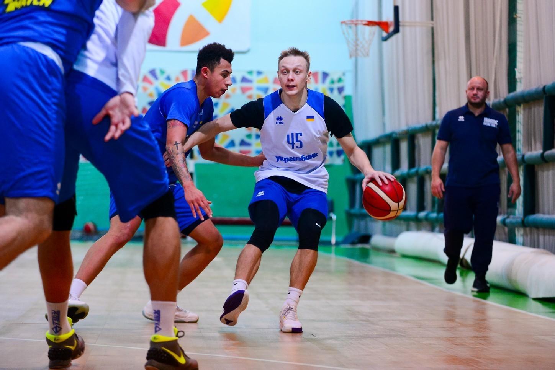 Останнє тренування збірної України перед вильотом до Словенії: відео