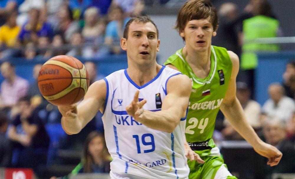 Олександр Рябчук: бажаю збірній зіграти в свою гру і показати, що таке Україна