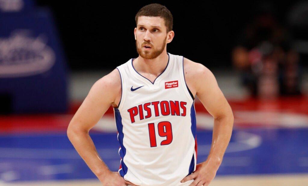 Святослав Михайлюк набрав 11 очок в передсезонному матчі НБА