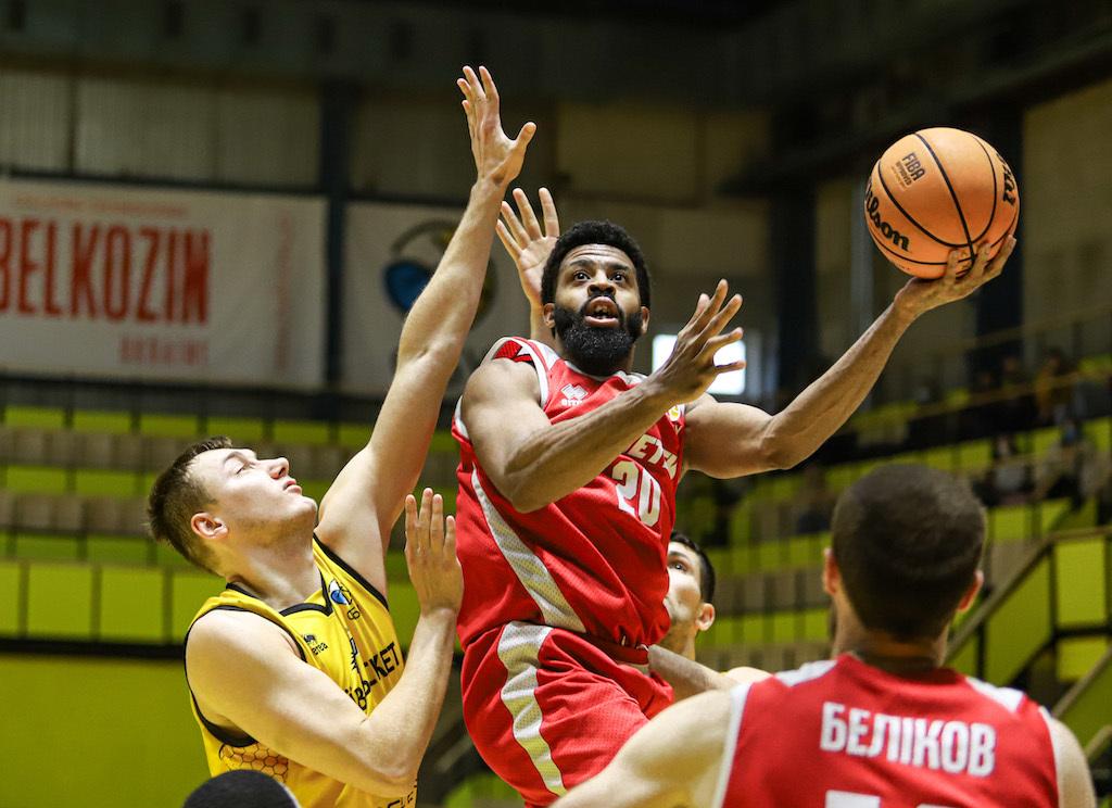 Прометей розгромив Київ-Баскет у центральному матчі тижня