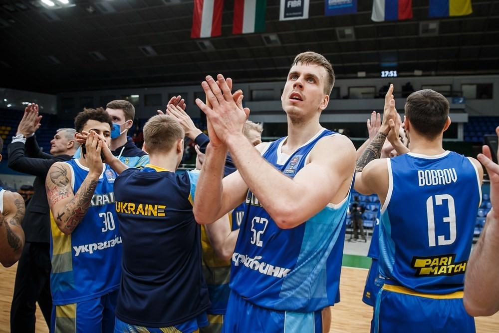 Фани повернулися на трибуни: правила поведінки в Палаці спорту на матчах збірної України