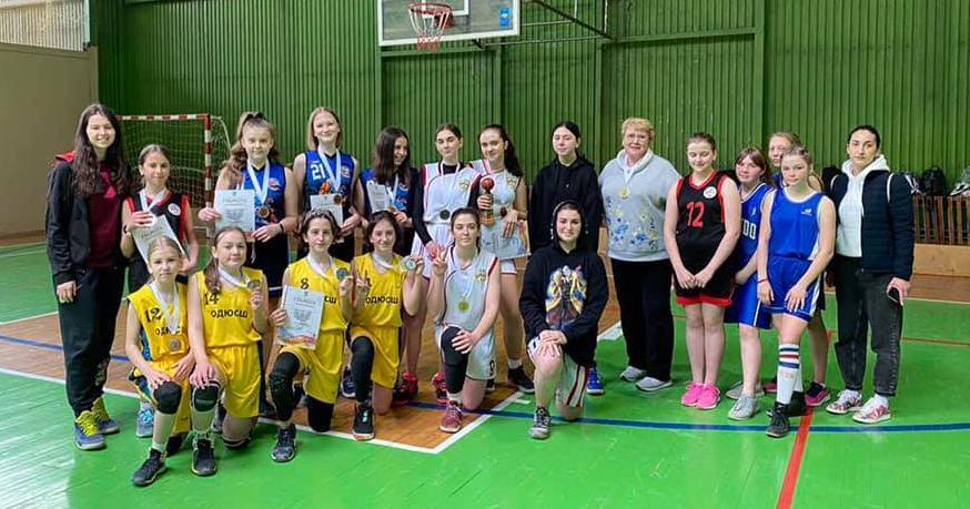 На Івано-Франківщині відбувся юнацький чемпіонат з баскетболу 3х3