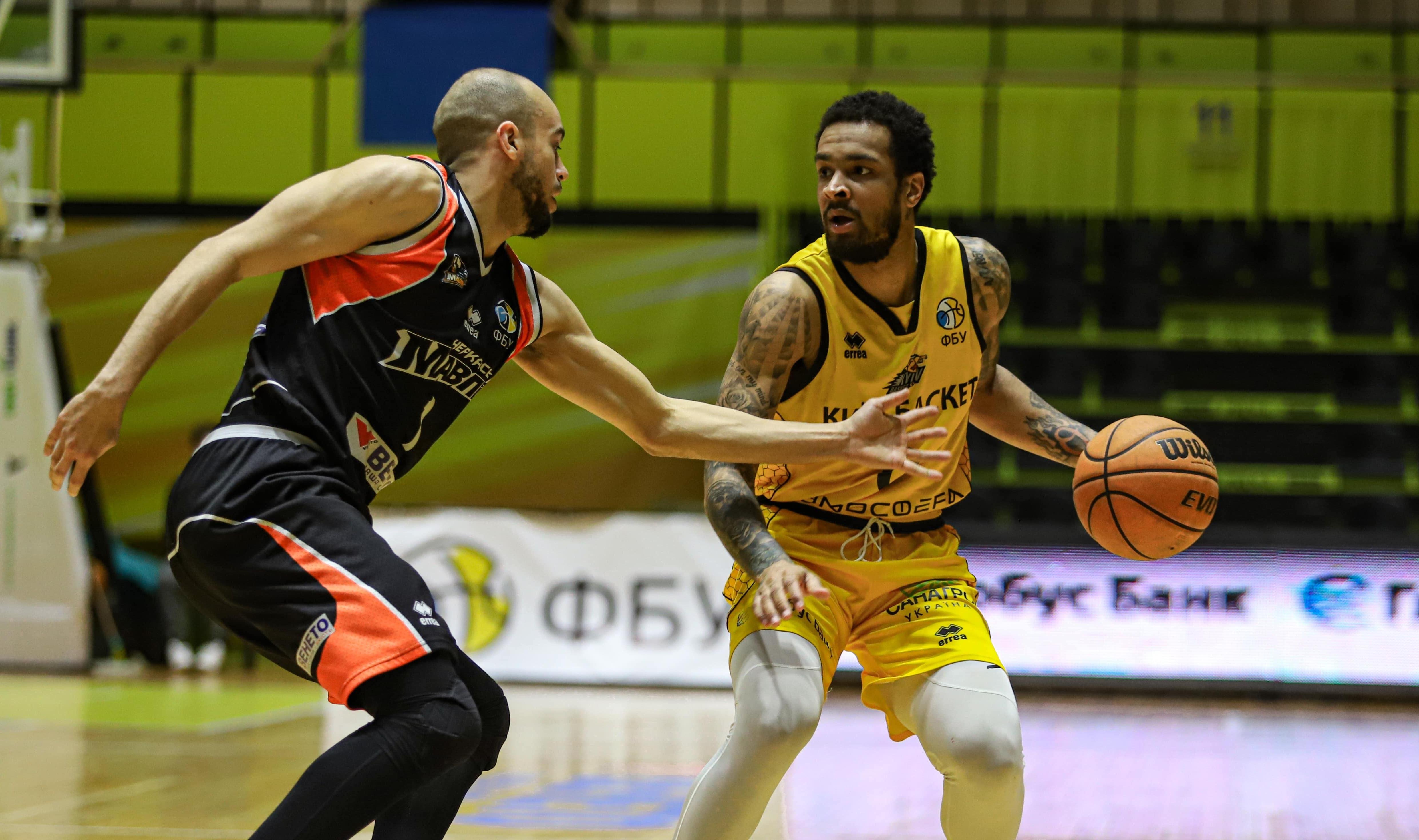 Київ-Баскет розгромив Черкаські Мавпи у стартовому матчі плей-оф