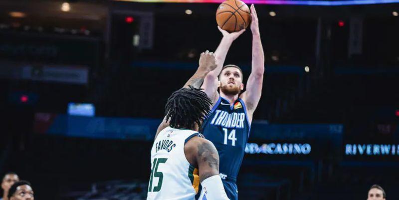 Михайлюк найкращий у матчі, Лень зіграє в плей-ін НБА