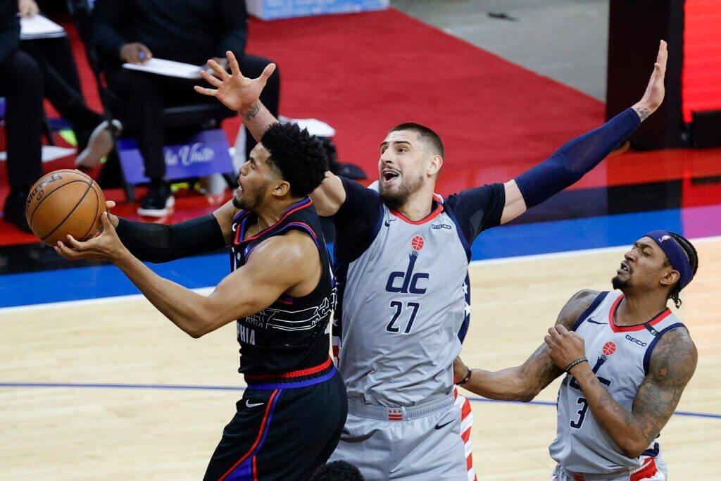 Олексій Лень дебютував у плей-оф НБА