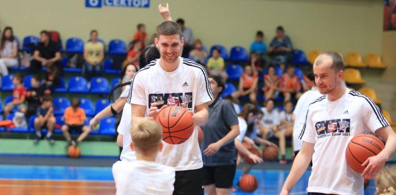 Святослав Михайлюк провів грандіозний дитячий баскетбольний табір у Черкасах