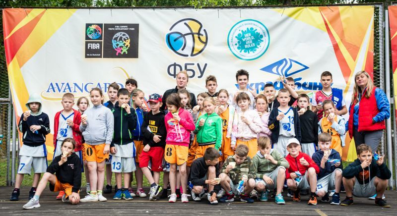 У Залізному Порту стартував Фестиваль мінібаскетболу: фотогалерея першого дня