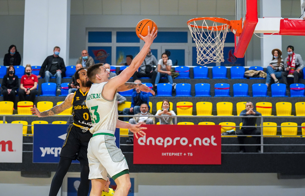 Лідерська гра Аурімаса Маяускаса у четвертому матчі серії проти Київ-Баскета: відеоогляд