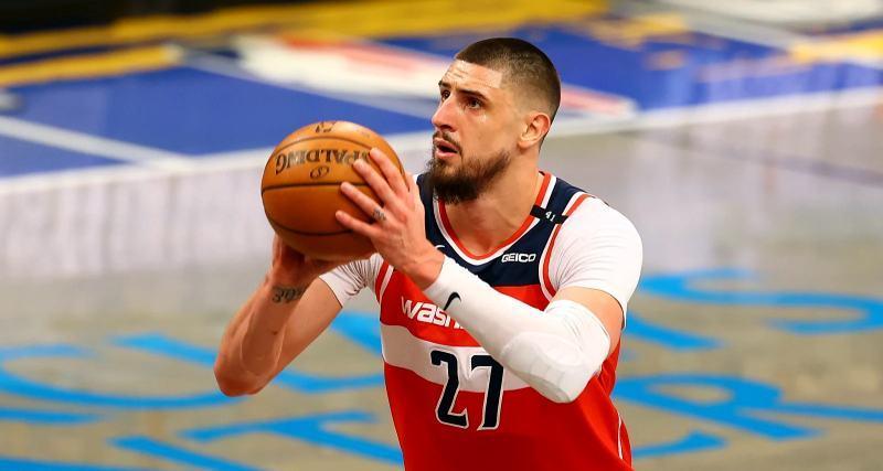 Олексій Лень завершив восьмий сезон у НБА