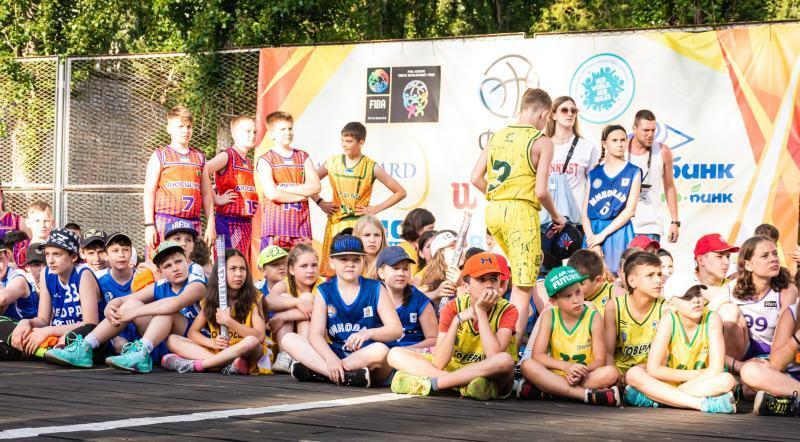 У Залізному Порту стартувала друга зміна Фестивалю мінібаскетболу