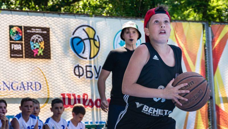 У Залізному Порту триває друга зміна Фестивалю мінібаскетболу: фотогалерея