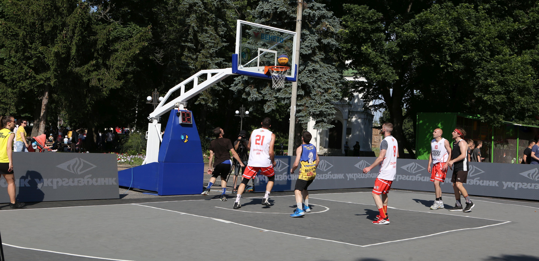 Миттєвості стартового туру чемпіонату України з баскетболу 3х3: фотогалерея
